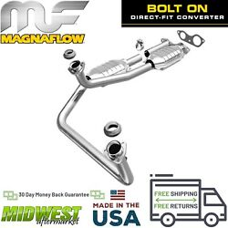 Magnaflow Direct Fit Catalytic Converter For 1996-2000 GM C/K Series Yukon 5.7L