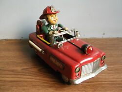 Rare Vintage Battery Powered Fire Dept Tin Toy Car Made In Japan Working Order