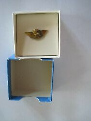 United Airline Wings Pin 100000 Miles Gold Tone Vintage In Box