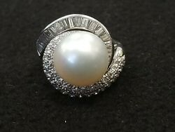 14k White Gold Ring With Large Pearl And Diamonds