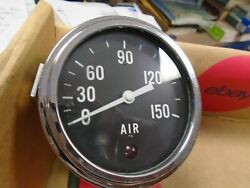 Stewart Warner 3 1/2 Inch 150 Psi Air Pressure Gauge With Low Air Switch And Lig