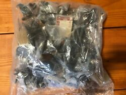 Sealed Dungeons And Dragons Rare Miniatures War Of Dragon Queen Complete Set