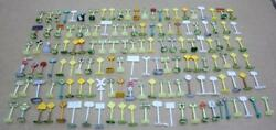 135 Misc. Train Signs For O Scale For Village/train 3.99 S/h