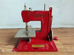 Rare Vintage Baby Crystal Hand Crank Tin Sewing Machine Of 50's Made In Japan.