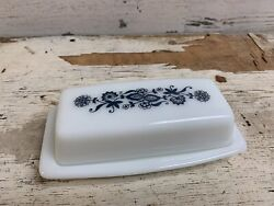 Vintage Pyrex Old Town Blue Onion Milk Glass Butter Dish