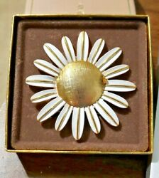 Vintage New In Box Avon Perfume Glace Daisy Pin 2 5/8 In Across Enameled White