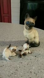 VINTAGE PORCELAIN SIAMESE MOTHER CAT WITH PLAYFUL KITTENS FIGURINES 3 pieces