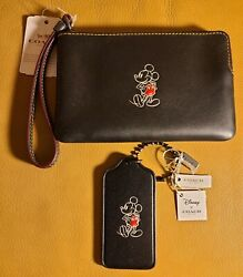 New Coach X Disney Leather Mickey Mouse Black Wristlet amp; hangtag with receipt $150.50