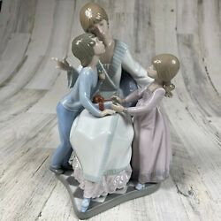 Lladro 5596 A Gift Of Love 9.5 Tall Excellent Condition Original Box Christmas