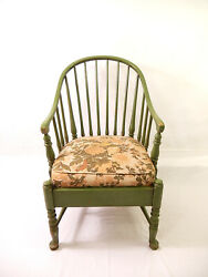 Antique-vintage James L. Angle Co. 1940and039s Windsor Style Painted Arm Chair