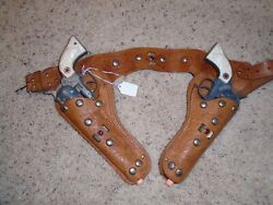 1950's Hubley Cowboy Die Cast Cap Gun And Leather Holster Set