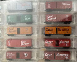N Scale Micro Trains Collectors Mtl Great Northern Circus Box Car Runner Set Gn