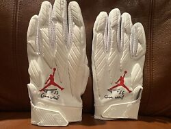 Tyrann Mathieu Chiefs Auto Pair Of Game Used Jordan Issued Gloves Signed Coa