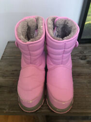 Totes boots size 4 pre owned $12.00