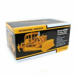 1/25 International Harvester Td-25 Dozer With Enclosed Cab And Ripper 49-0397