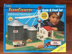 Ertl Farm Country 1/64 Grain And Feed S And C Ag Set 4303