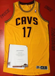 Authentic Cleveland Cavaliers A. Varejao Nba Game Used Worn Jersey Procut Lebron