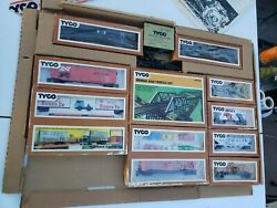 Vintage 1976 Tyco Electric Train Set - Ho Scalenew Old Stock Missing The Engine