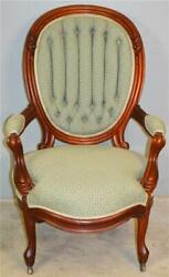 18998 Victorian Gentlemanandrsquos Finger Carved Open Arm Chair