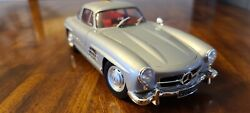 Minichamps 1955 Mercedes 300sl Gullwing Silver Red 1/18 Classic Selection
