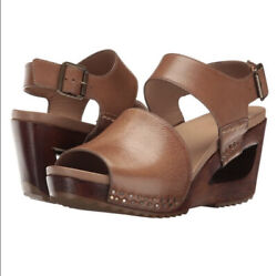 Rare Dansko Shona Leather Buckle Wood Wedge Sandals Eu39 Sold Out Discontinued