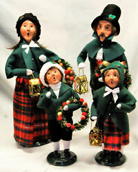 Byers Choice Family With Lantern Carolers - New 2021 - Free Priority Shipping