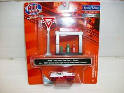 Ho Scale Cmw 1955 Chevy Tow Truck W/station Sign And Gas Pump Island Conoco
