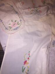 Lot Of 40 Vintage Embroidered Linens Doilies Runners Floral Craft Great Rares