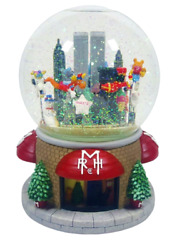 New In Box 2000 Macyandrsquos Thanksgiving Day Parade Snow Globe Musical