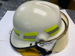 Lion Apparel Legacy Firefighter Helmet Nfpa Size 6.5-8.75 Cream White Face Guard