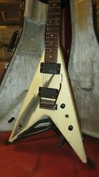 Pre Owned 1983 Aria Pro Ii Xx Deluxe Flying V White Black Graphics Original Case