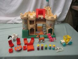 Fisher Price Little People 993 Castle Dragon Play Family Queen Knight P Queen