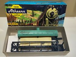 Ho Scale Athearn 40and039 Celanese Chemical Single Dome Tank Car 1556 - Nos Ob Rare