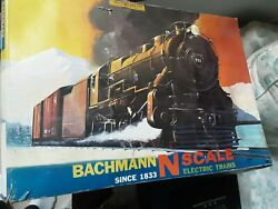 Lot Of N Scale 6 Bachmann Train Cars And Track In Orginal Boxelectric Engine Bando