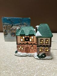 Noma Dickensville Collectables Porcelain Lighted House Inn 1991 With Light Cord