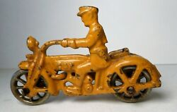 Hubley 1930s Cast Iron Cop Motorcycle W/ Side Car