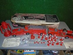 1960's The Chief Deluxe Reading Toys Fire Chief 17 Fireman Truck Helmet Playset