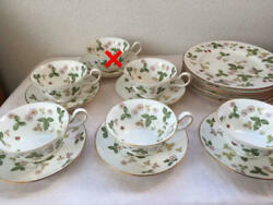 Wedgwood Wild Strawberry Cup Saucer Plate Sets
