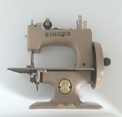 Singer Sewhandy Model 20 Childs Sewing Machine Vintage
