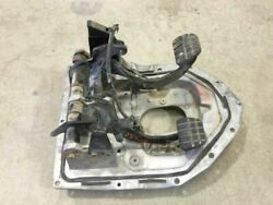 06 Hino 238 Used Brake And Clutch Pedals W Firewall Mount Bracket As Shown