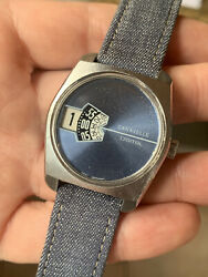 Vintage Caravelle By Bulova Mens Jump Hour Watch Swiss 34,8mm