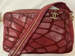 Vintage 2008 Camera Bag Quilted Calfskin Red With Cc Gold Charm