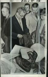 1960 Press Photo Father Of Pilot Francis G. Powers, Oliver, Inspects Equipment