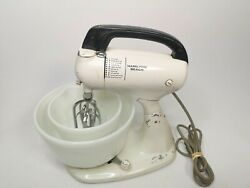 Vintage Hamilton Beach Electric Mixer, Beaters, And Milk Glass Bowls Model 020