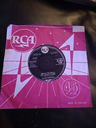 Elvis Presley His Latest Flame And Good Luck Charm Original 45s Rare