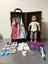 American Girl Felicity Doll ,outfits And Shoes And Queens Wardrobe Lot Nice