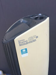 Sharper Image Si730 Gp Ionic Breeze Silent Air Purifier W Germicidal Protection