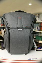 Peak Design Everyday 30l Backpack For Camera And Laptop - Nwt