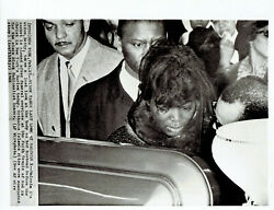 1965 Press Photo Black Leader Malcolm X#x27;s Widow Betty at Funeral in Harlem NY