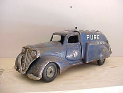 1930 40 pure oil gas truck tanker original